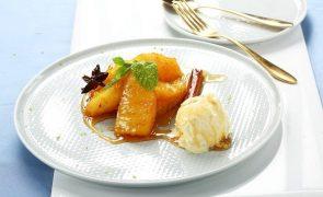 Ananás caramelizado com estrela de anis e canela Uma receita deliciosa para quem tem pouco tempo a perder!