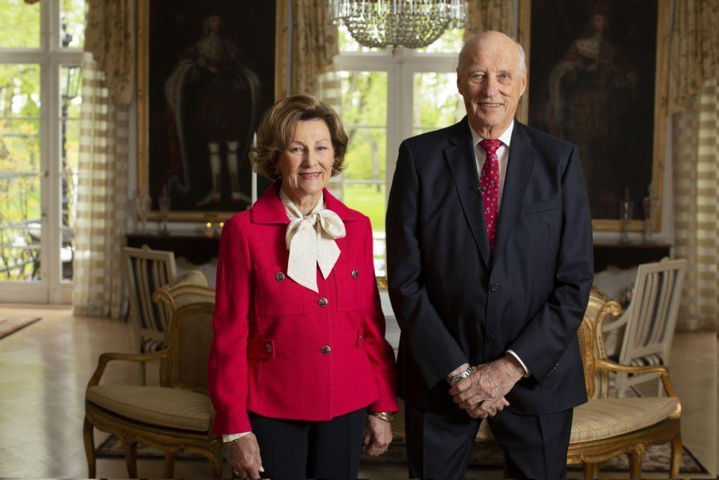 Rei da Noruega de 83 anos hospitalizado em Oslo