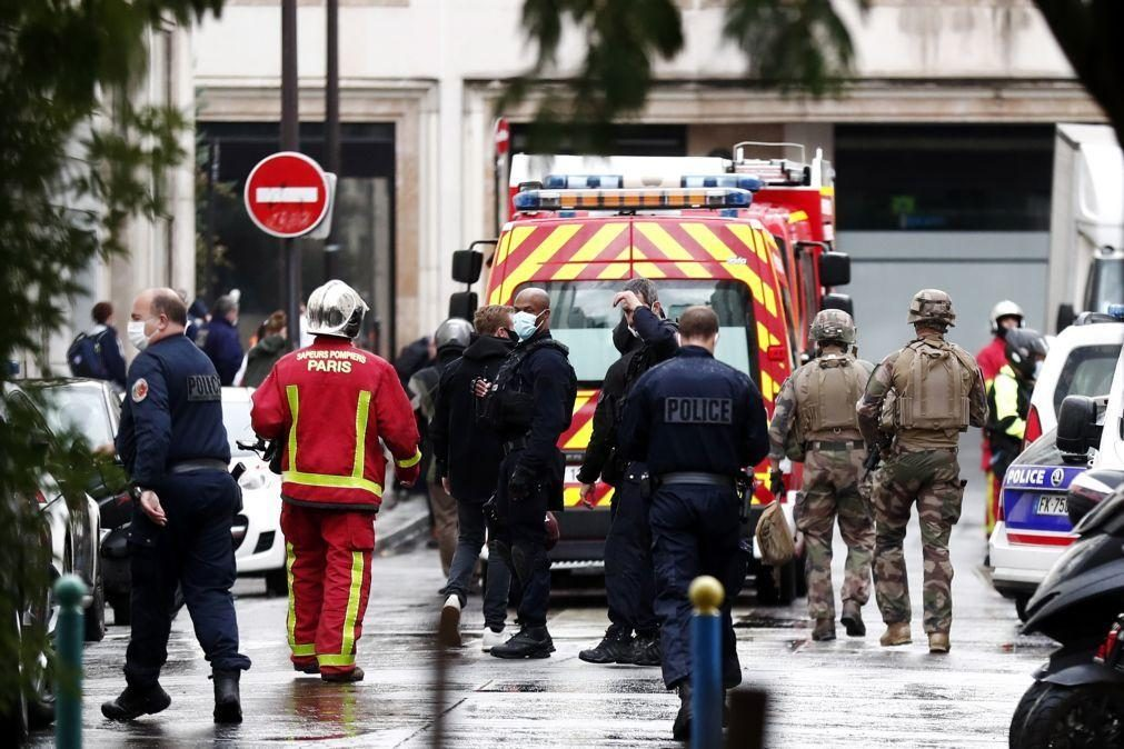 Detidos dois suspeitos do ataque com arma branca em Paris