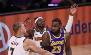 LeBron James 'conduz' Los Angeles Lakers à sua 32.ª final da NBA