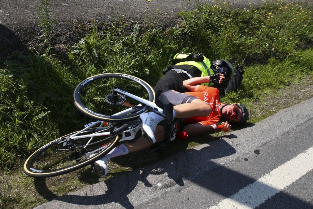 Volta a Portugal: Ciclista Nigel Ellsay fraturou a coluna e ossos do rosto