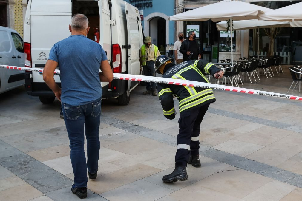 Perímetro de segurança na Baixa de Coimbra reaberto após rompimento de conduta de gás