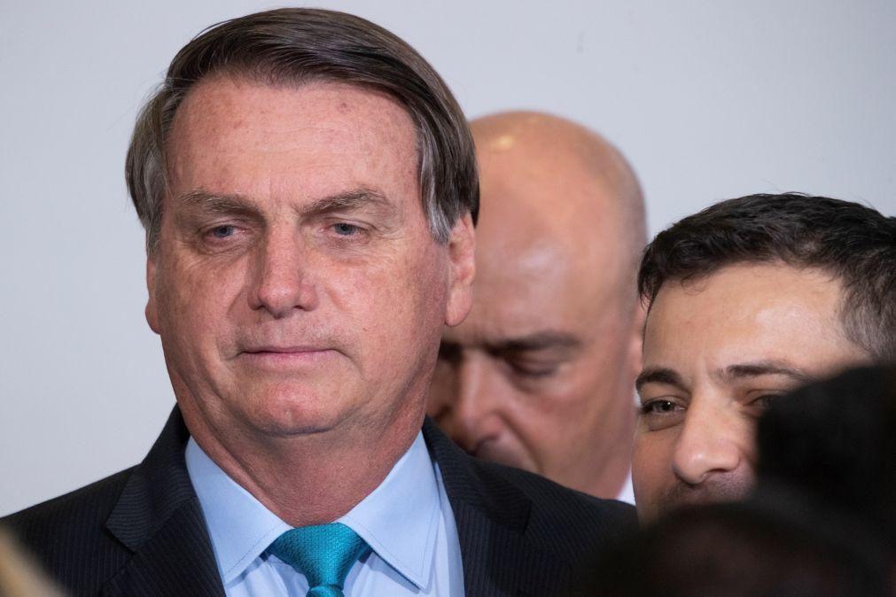 Covid-19: Bolsonaro pede regresso à normalidade e diz que Deus deu a hidroxicloroquina