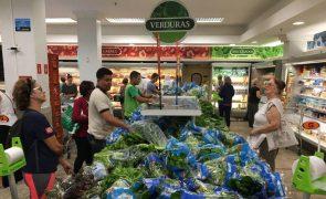 Desabamento de prateleiras num supermercado no Brasil faz um morto e oito feridos graves