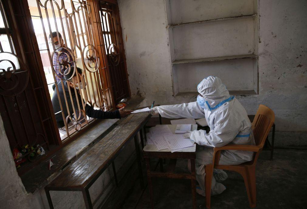 Covid-19: Índia com mais de 900 mortos e quase 75 mil infetados num só dia