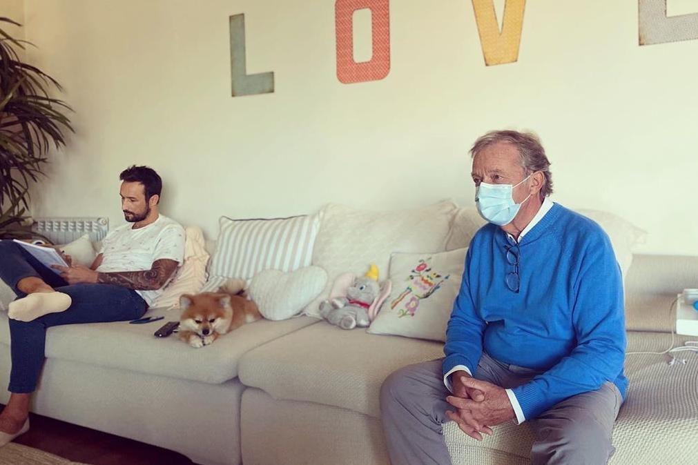 Diana Chaves reage às críticas depois de receber o pai de máscara em casa