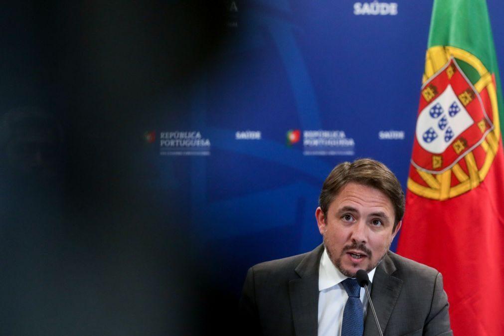 Covid-19: Governo garante que aumento de casos não está a resultar em mais internamentos