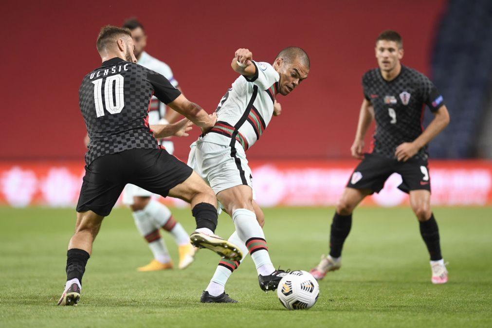 Pepe ultrapassa Couto e é o defesa luso mais internacional