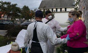 Covid-19: EUA com 920 mortos e 49.447 casos nas últimas 24 horas