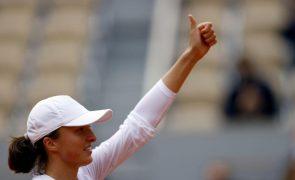 Swiatek bate Podoroska no torneio de Roland Garros e disputa primeira final de um 'Grand Slam'