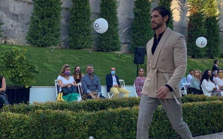 Um ano após ter vivido episódio dramático, Ângelo Rodrigues volta a desfilar