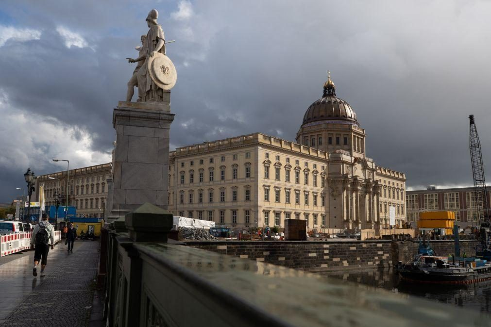 Covid-19: Alemanha ultrapassa 4.700 infeções diárias, maior número desde abril