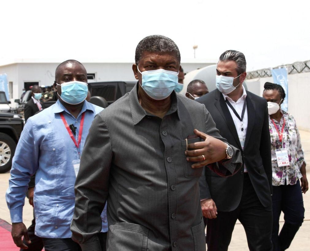 Presidente de Angola avalia em 20,2 mil milhões de euros prejuízos do Estado por política anterior