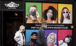 Covid-19: Reino Unido soma 13.972 novas infeções e 50 mortes e aperta restrições