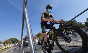 Giro: Mitchelton-Scott retira-se devido a casos de covid-19, tal como Kruijswijk e Matthews