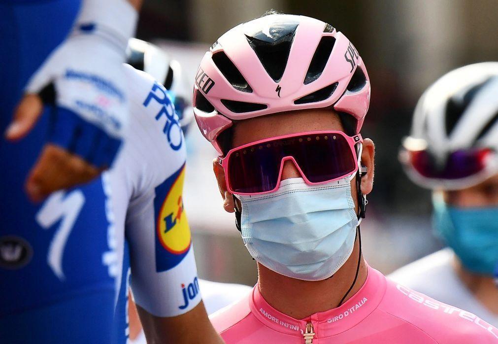 João Almeida reforça camisola rosa na vitória de Peter Sagan na 10.ª etapa da Volta a Itália em bicicleta