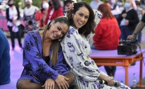 Débora Monteiro Obrigada a apagar foto com Raquel Tavares depois de chamarem gorda à fadista