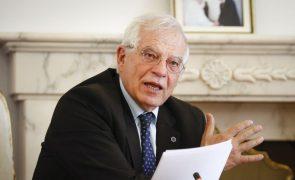 Covid-19: Dois comissários da UE em isolamento após contacto com infetados