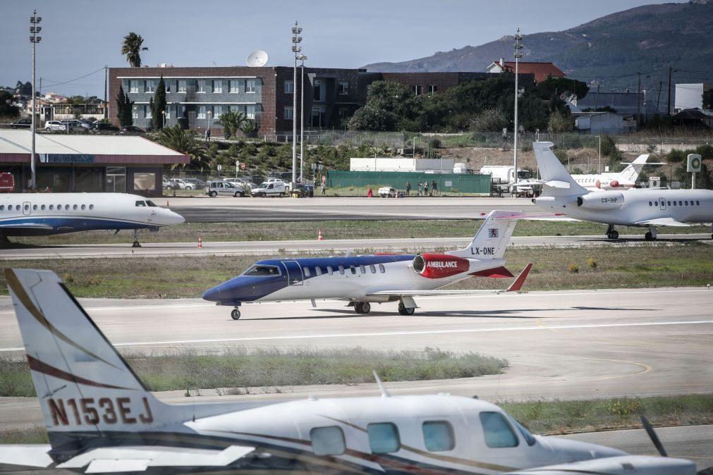 Cristiano Ronaldo deixa Portugal em avião-ambulância privado