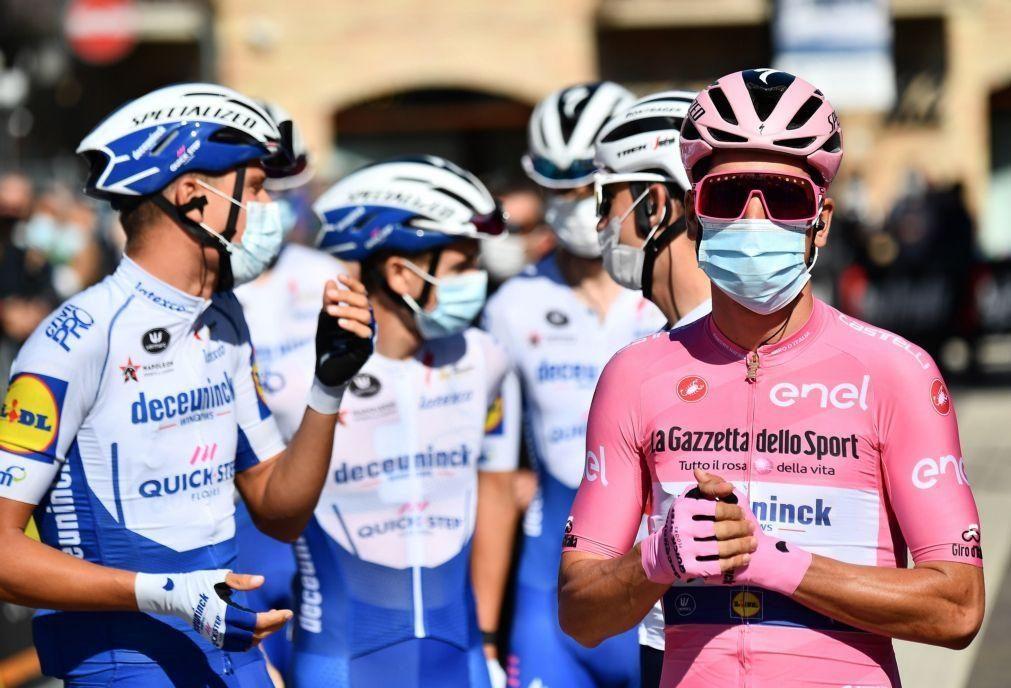 João Almeida segue líder da Volta a Itália em dia de quarta vitória para Arnaud Démare