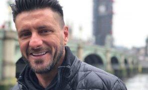 Família e amigos de Tony Lemos desolados no funeral do músico dos Santamaria