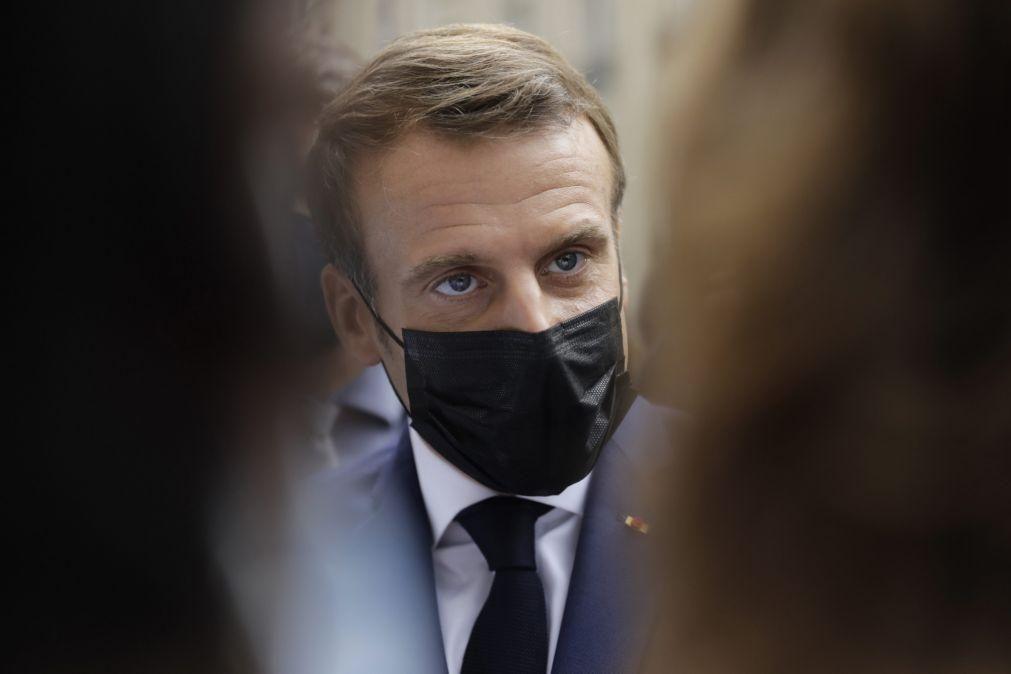 Covid-19: Emmanuel Macron anuncia recolher obrigatório em várias cidades francesas