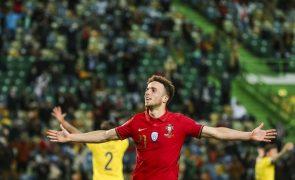 Portugal vence Suécia por 3-0 com Diogo Jota 'disfarçado' de Cristiano Ronaldo