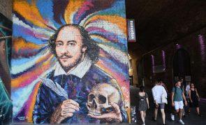 Primeira coletânea com peças de Shakespeare vendida por preço recorde de 8,5ME