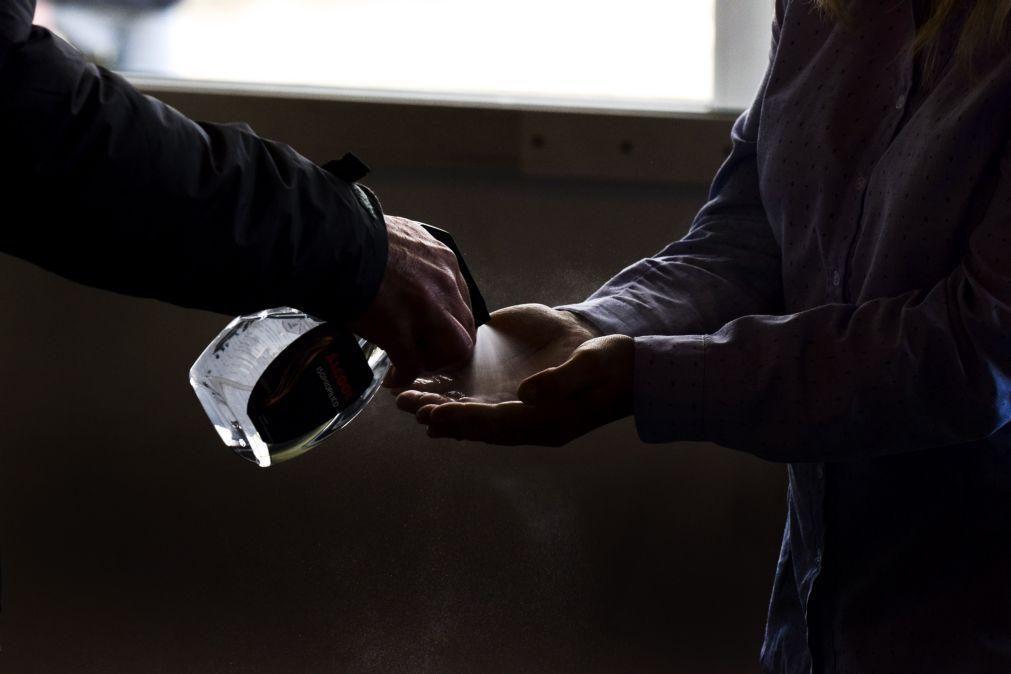 Covid-19: Contactos com centro antiveneno por exposição ao álcool gel aumentaram 340%