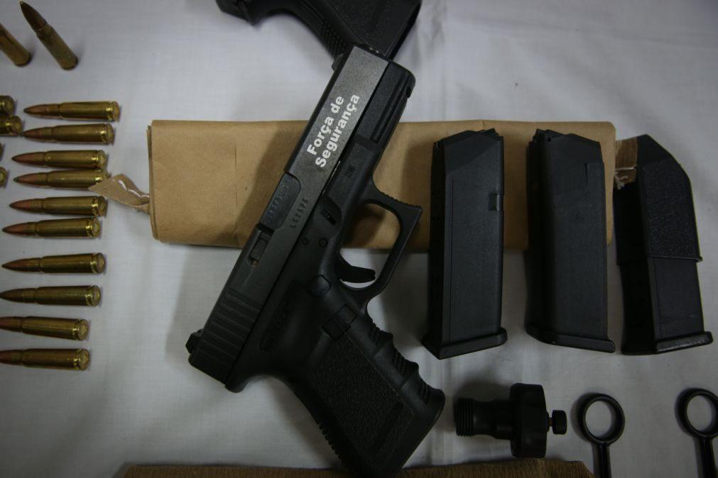 Arguidos implicados no furto de armas da PSP conhecem hoje decisão do tribunal