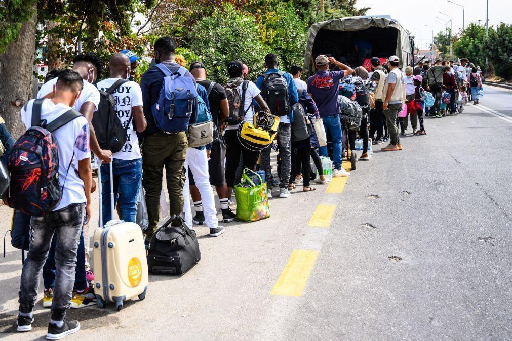Cerca de 100 refugiados foram transferidos da Grécia para a Alemanha