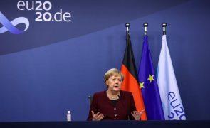 Merkel alerta para possível 'Brexit' sem acordo