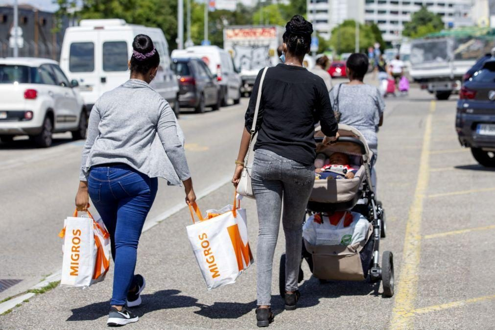 Salário mínimo de 3.700 euros entra em vigor no sábado em Genebra