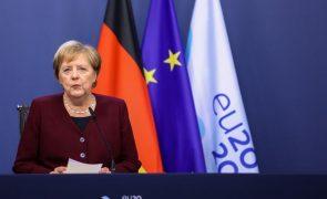 Covid-19: Merkel pede aos alemães que fiquem em casa perante aumento dos casos