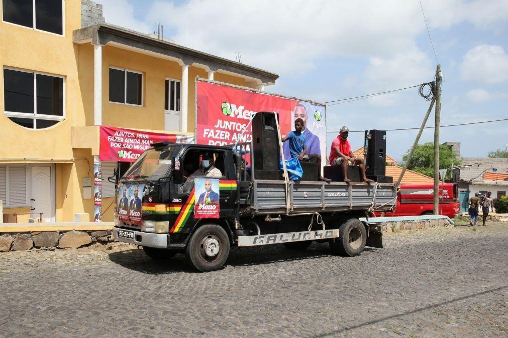Covid-19: Campanha autárquica em Cabo Verde faz-se de volume no máximo em comícios ambulantes