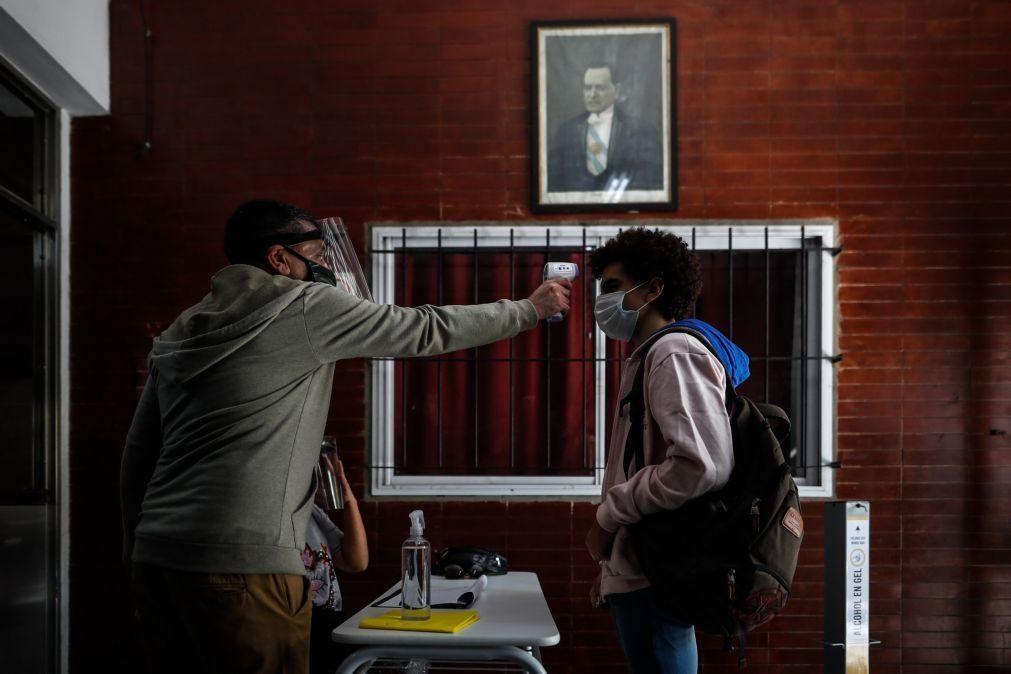 Covid-19: Argentina com 384 mortos e 13.510 casos nas últimas 24 horas