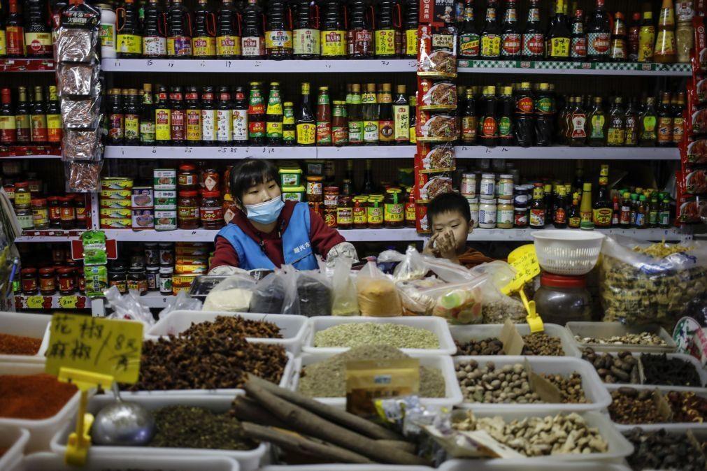 Covid-19: China regista 13 novos casos importados, o mesmo número do dia anterior