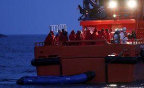 Quatro barcos com 50 migrantes a bordo, entre eles um bebé, intercetados em Alicante