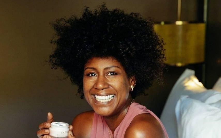 Mariama Barbosa Troca caracóis pelo cabelo liso e fãs ficam sem palavras
