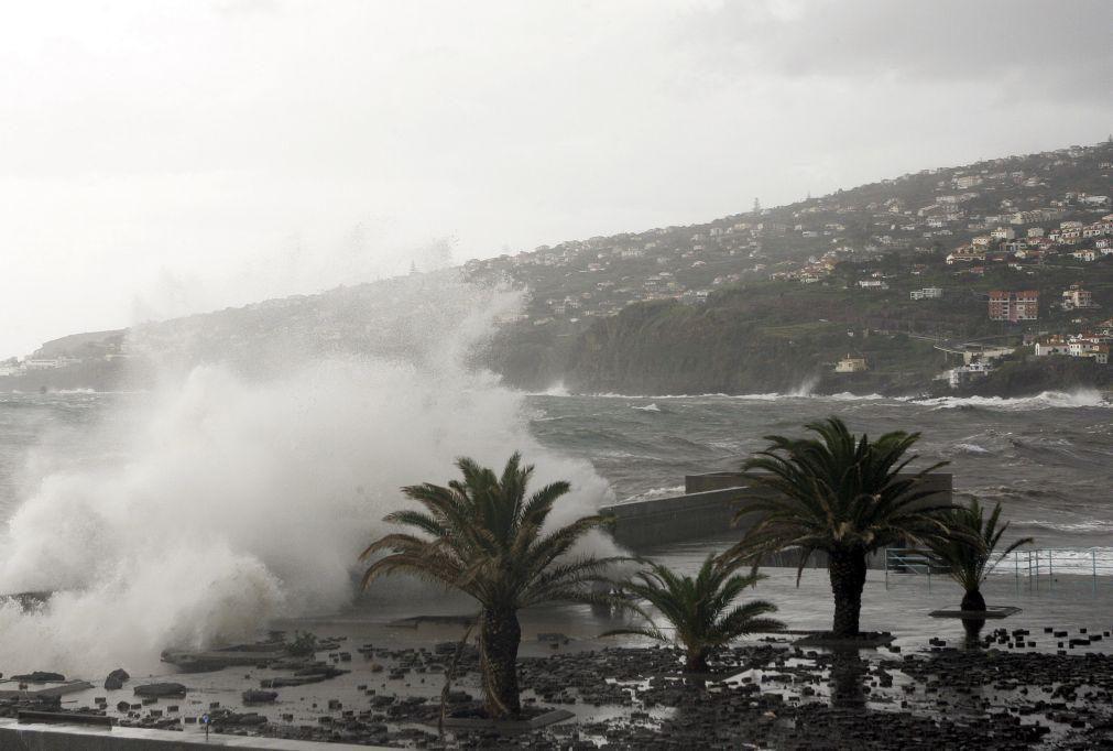 Mau tempo: IPMA colocou Madeira sob aviso laranja devido à chuva até terça-feira