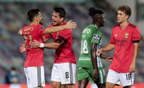 Líder Benfica vence em Vila do Conde e coloca concorrência a cinco pontos