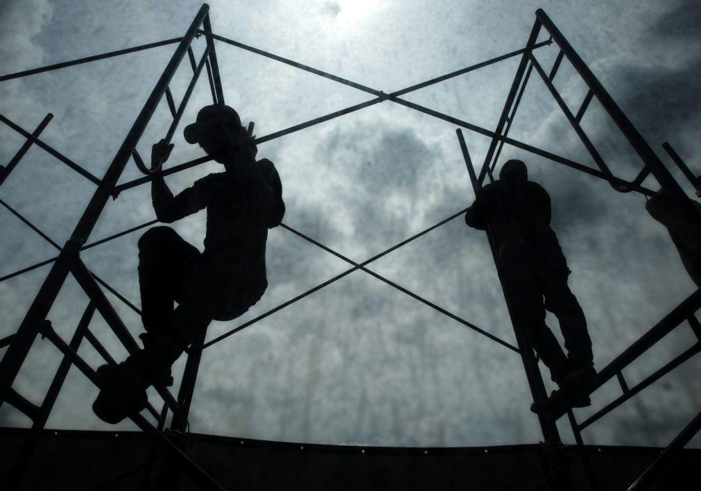Produção na construção recua 0,9% na zona euro em agosto com Portugal pior que média