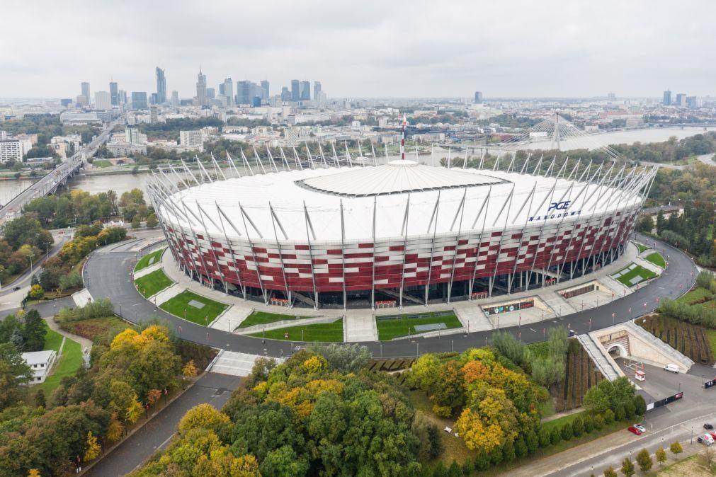Covid-19: Estádio nacional da Polónia vai ser transformado em hospital