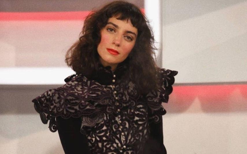 Joana Barrios responde a fã após ser insultada