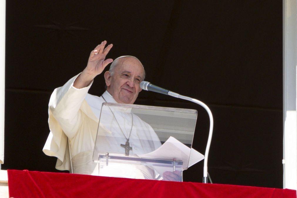 Papa Francisco e outros líderes religiosos rezam pelas vítimas da guerra e da pandemia