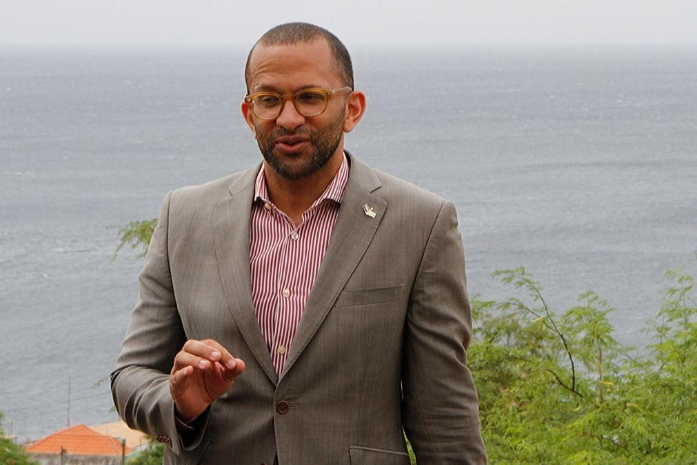 Ministro cabo-verdiano afirma que é o MpD a pagar custos de governantes em campanha