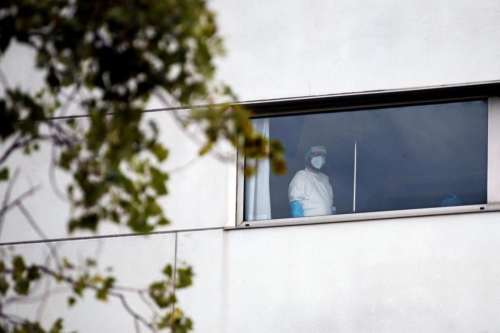 Covid-19: Espanha com quase 38.000 casos desde sexta-feira aproxima-se de um milhão
