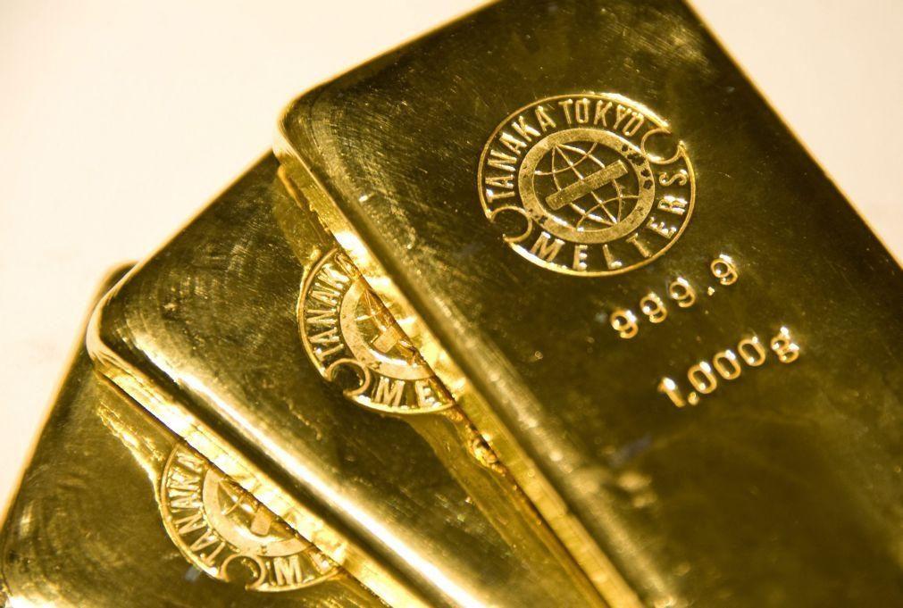 Duas minas de ouro suspensas após turvarem rio no centro de Moçambique