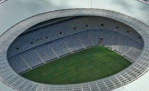 Covid-19: Liga belga reduz lotação e proíbe consumo de bebidas e alimentos nos estádios