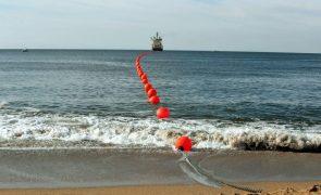 Governo timorense prefere ligação submarina de fibra ótica à Austrália - ministro